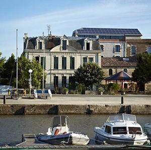 Domaine du Meunier sur le port de Mortagne sur Gironde